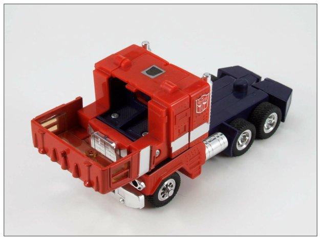 G1 Optimus Prime (15)
