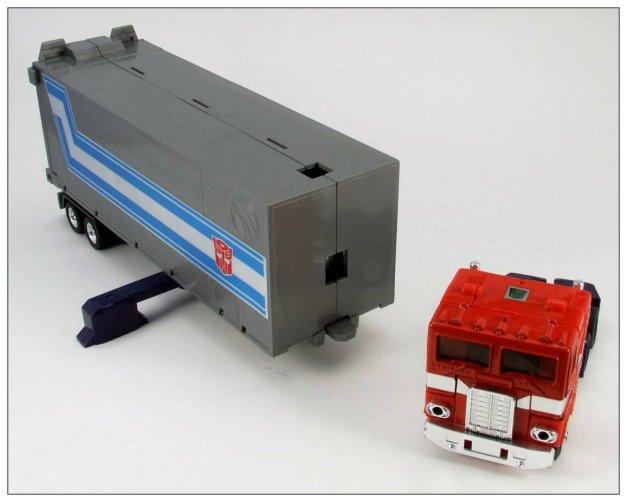 G1 Optimus Prime (8)